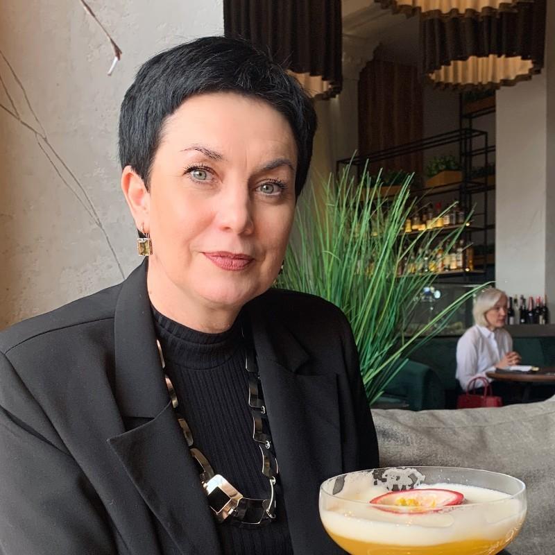 Dr. Rowena Clark