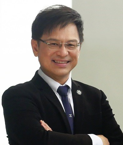Dr Timothy Low