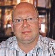 Dr. Mathias Brust