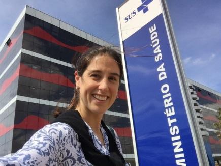 Dr. Laura Azevedo