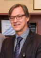 Eduardo J Simoes