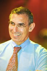 OMICS International Beneficial microbes-2015 International Conference Keynote Speaker Yehuda Shoenfeld photo