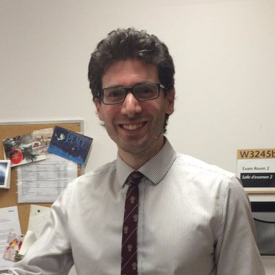 Dr. Esteban Santiago