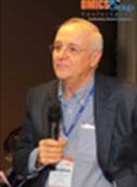 Myron R Szewczuk