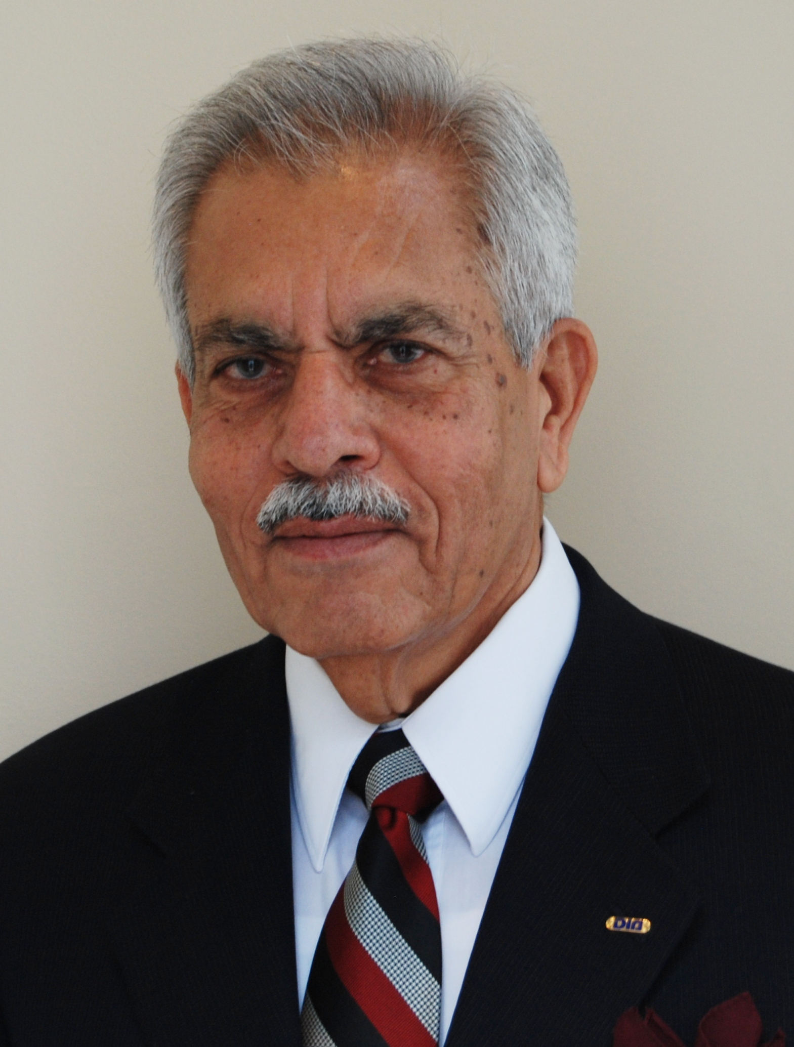 Mohammed R Khan