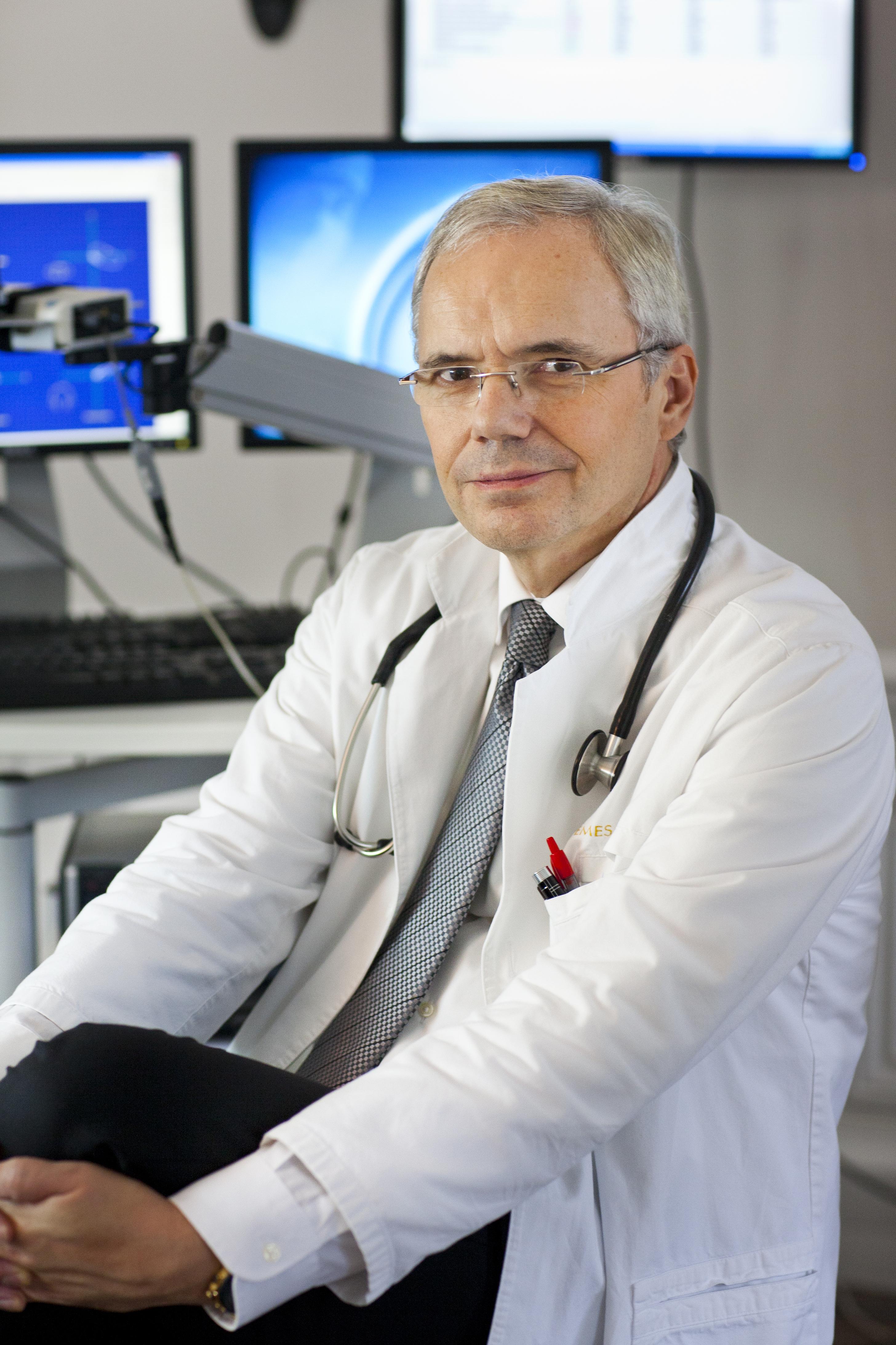 Dr. Christophe de JAEGER